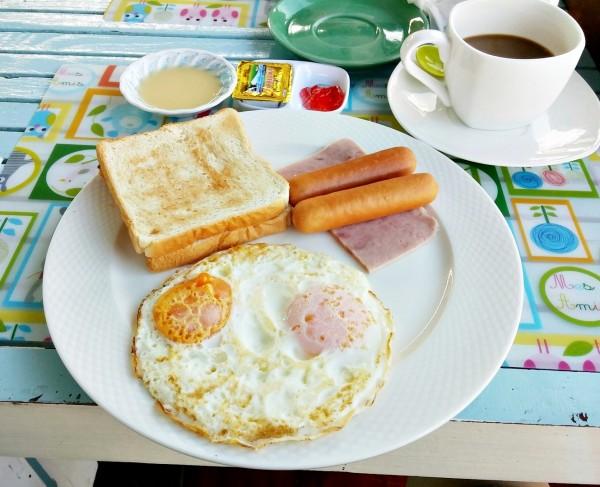 อาหารเช้าบ้านริมน้ำ