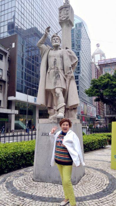 รูปปั้น Jorge Alvares