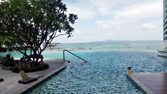 Pool at Executive Tower Holiday Inn Pattaya